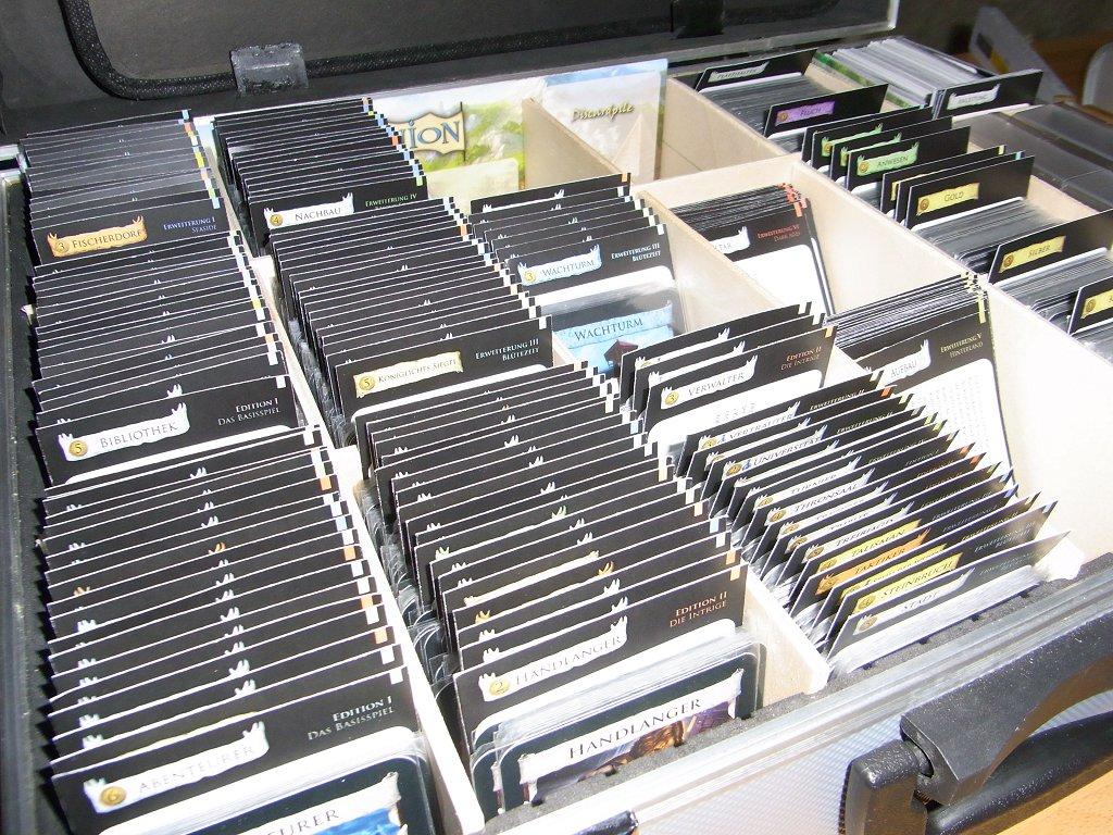 Dominion Koffer mit Kartentrennern